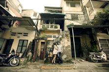 Chụp ảnh cưới gần gũi đời thường ngay trên đường phố