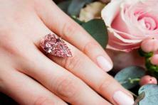 Bảo quản nhẫn đính hôn kim cương như thế nào cho tốt?