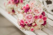 Lựa chọn hoa cưới cho cô dâu và phụ dâu