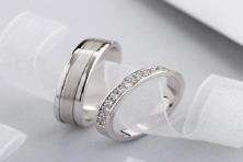Tìm hiểu 3 kiểu nhẫn cưới được yêu thích trong năm 2020
